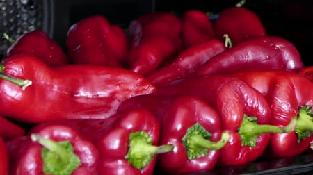 ゆでた : baking red peppers in barbecue, cooking red peppers in oven