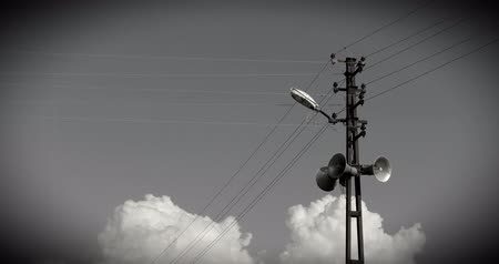 мегафон : the lamppost and the loudspeakers on the street