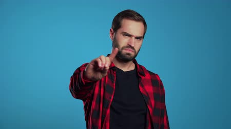 rejeitar : Man disapproving with no hand finger sign make negation finger gesture. Denying, Rejecting, Disagree, Portrait of handsome guy. Stock Footage