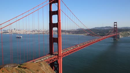 goldene : Verkehrsbehinderungen auf der Golden Gate Bridge - San Francisco, Kalifornien Videos