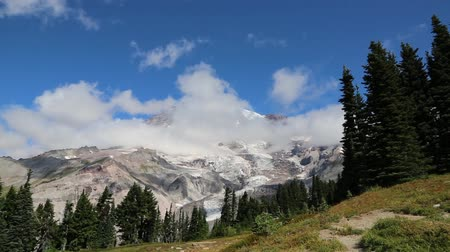 trilhas : Clouds around Mount Rainier - Washington