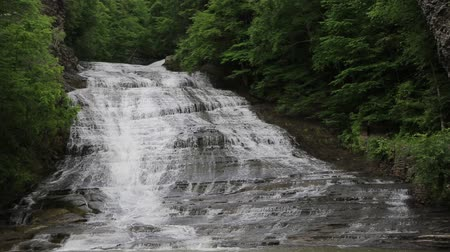trilhas : Buttermilk Falls - New York