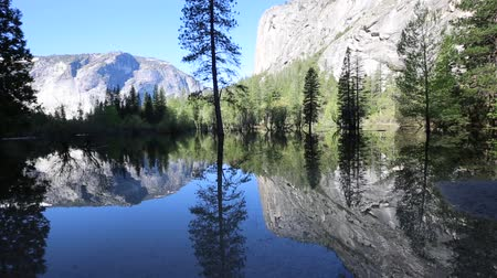 kalifornie : Landscape with Mirror Lake, California