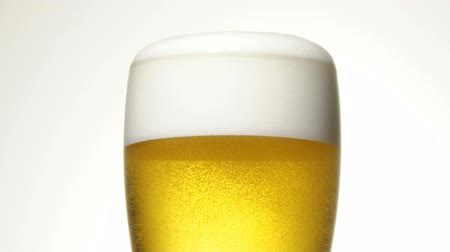 demlemek : close up of the beer