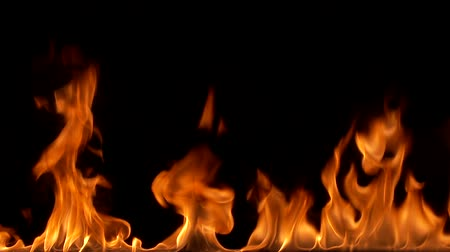 ohnivý : close up of the fire