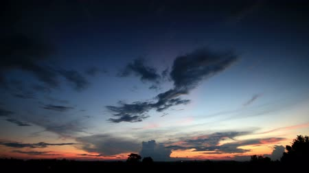 sunset light : time lapse of sky and clouds ,sunset or sunrise (reverse),Clouds billowing.