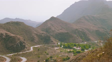 serpentine : Twisty road in mountains to centre of Gran Canaria Stock Footage