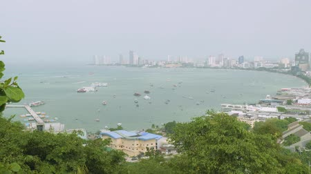 кхмерский : View of Pattaya bay from view point in Pattaya city public park