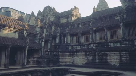 Ангкор : Panoramic view of pool ruins in Angkor Wat temple Стоковые видеозаписи