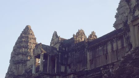 Ангкор : Ruins of Angkor Wat temple in early morning Стоковые видеозаписи