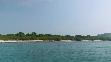 styczeń : View of Ko Rin island, Thailnd. View from board of sailing ship Wideo