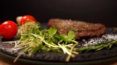 rump : Juicy grilled rump steak with salad greens