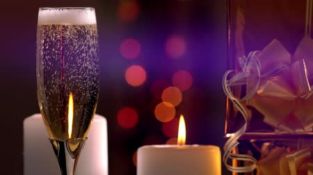 seduce : Topping up a glass of festive champagne