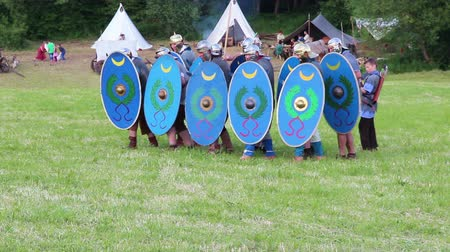 legionary : roman soldiers are attacking