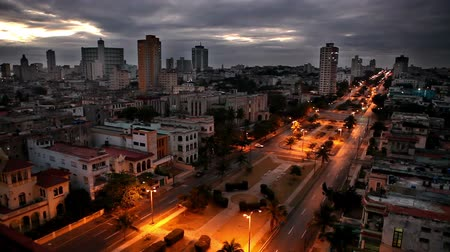 kuba : Cuba. Night Havana. The top view on the avenue Presidents.