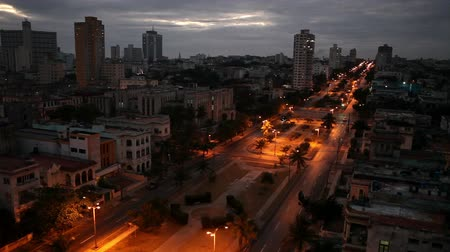 kuba : Cuba. Night Havana. The top view on  avenue Presidents.