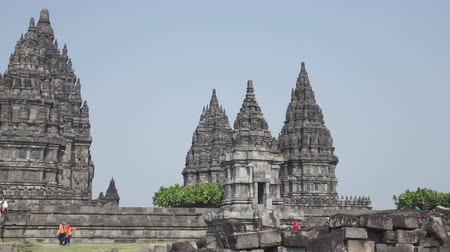 наследие : Candi Sewu Temple Complex of Prambanan in Central Java, Indonesia Стоковые видеозаписи
