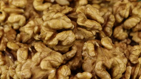 珍味 : From a blur, a bunch of walnuts moves into focus