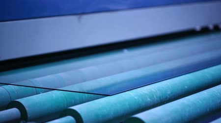 glass structure : production and processing of glass. cutting and grinding glass