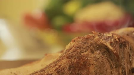 eye piece : piece of roast beef. steaming Stock Footage