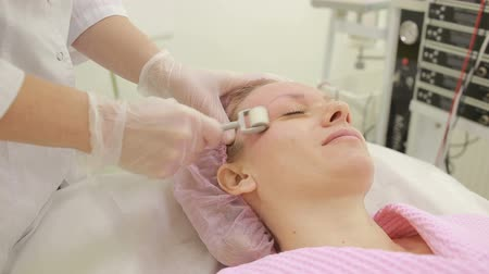rolete : KIT therapy, facial rejuvenation, roller