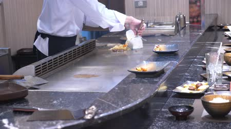 ジャスミン : cooking korean grill, asian food court.