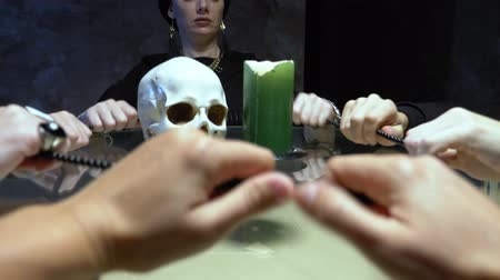 culto : spiritualistic session. witch face. communication with the spirit
