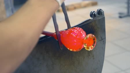 roztavený : glassblower. craft manufacturing of glass products