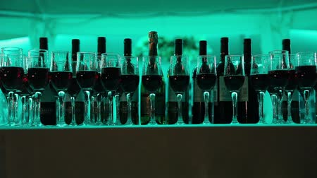 dub : Still life with wine bottles, glasses and oak barrels.