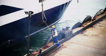 tarred : The working port receives mooring lines