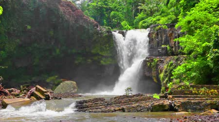 lírios : Tegenungan Waterfall is a beautiful waterfall located in plateau area and it is one of places of interest of Bali