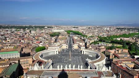 watykan : Rome, Italy. Famous Saint Peters Square in Vatican and aerial view of the city. Wideo