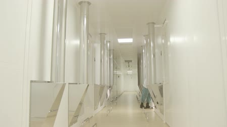 médicos : Long bright corridor in scientific laboratory building.