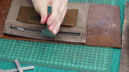 knocking : handbag for stitching punch