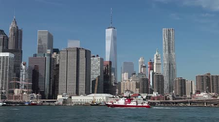 lifebelt : River at lower Manhattan. Named in honor of the 343 FDNY members killed on Sept 11, 2001, and with steel on the bow and stern from the World Trade CNew York, USA - September 29, 2014: The fire boat No.343 on East enter Stock Footage