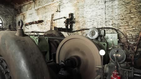 ремень : Generator at the old micro hydro power plant.
