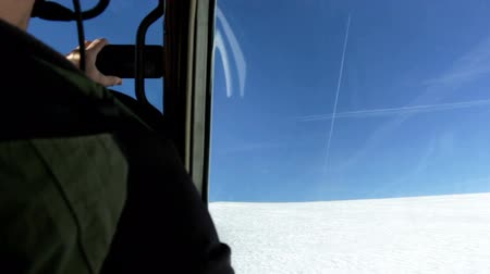 фюзеляж : Video from inside of the airplane of taking off from the glacier on mountain