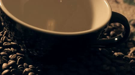 stabil : camera panning over black coffee cup