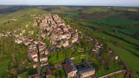 vila : Cordes-sur-Ciel, a village in a hill (Occitanie, Southern France)