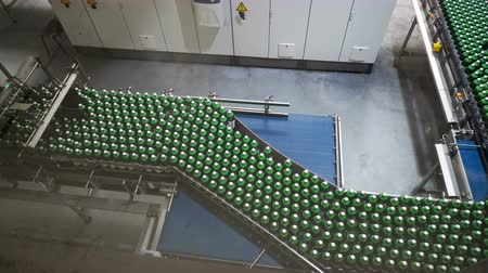 dağıtım : Modern conveyor for water bottling machine
