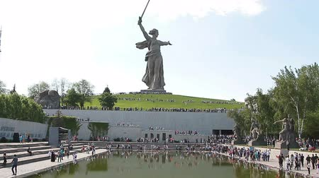 rabble : VOLGOGRAD, Russian Federation - MAY 9, 2016: Mass visits visitors of the memorial complex Mamaev Kurgan on the anniversary of victory in great world war II.