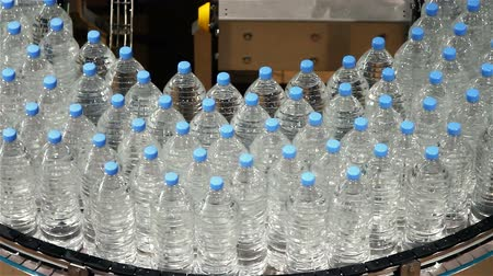 распределение : water bottle conveyor industry
