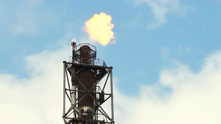 methane : refinery fire gas torch