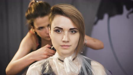shaves : Beautiful girl in a beauty salon.