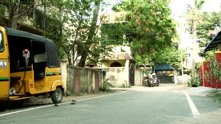 rickshaw : An empty street in India Stock Footage