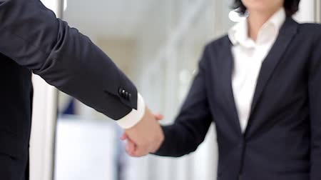 рукопожатие : Business Handshake shot