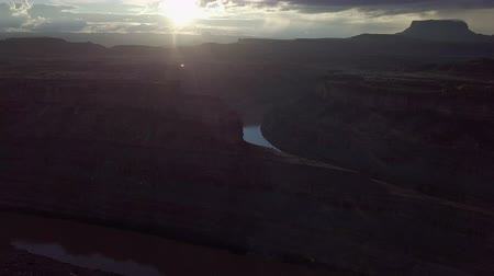 sudoeste : Colorado River near The Loop West and East Needles District of the Canyonlands Utah USA Aerial Stock Footage