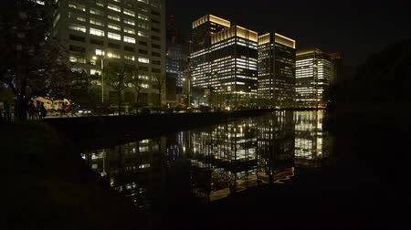 подопечный : High Rises Reflected in the Moat in the Central Tokyo Стоковые видеозаписи