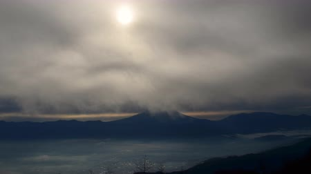 havza : Sunrise over Mt. Fuji in a Cloudy Morning Stok Video