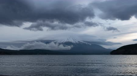 lakeshore : Mt. Fuji with Big Lenticular Clouds over Lake Yamanaka (time lapsezoom out)